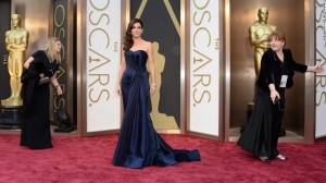 oscars-red-carpet---sandra-bullock-horizontal-large-gallery