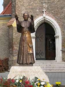 Cardinal Mindszenty sculpture, Wikipedia